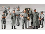 German Morser Karl Artillery Crew Figure Set (8)