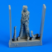 1/48 USAF Fighter Pilot Vietnam War 1960-75 (no helmet)